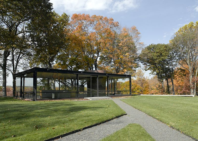 800px-Glass_House_2006