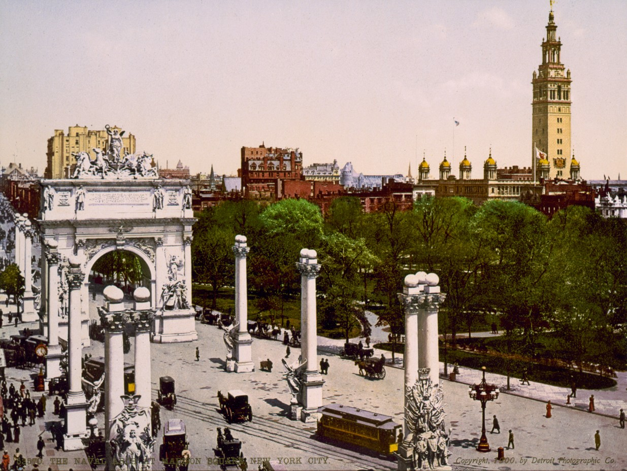 Dewey_Arch_1900_Color